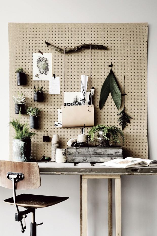 Décor do dia: home office sustentável e cheio de plantas (Foto: Divulgação)