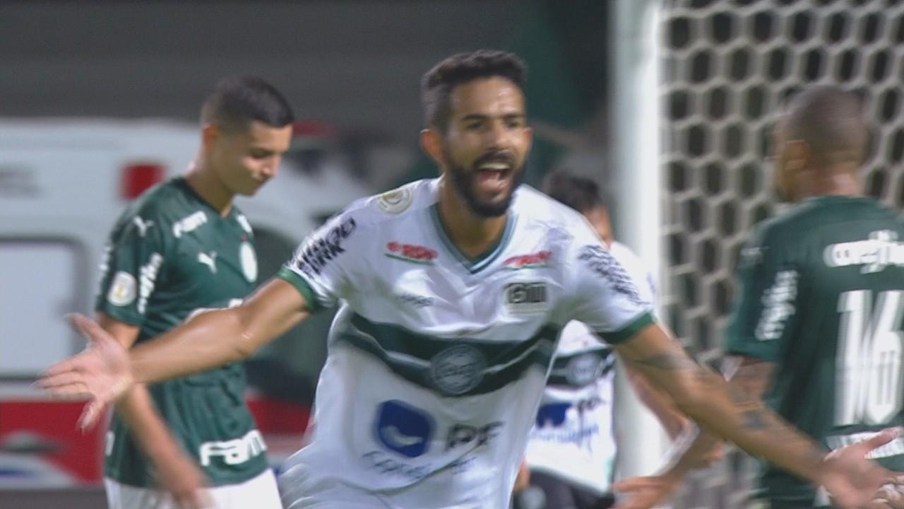 Coritiba derrota Palmeiras e vê esperança para temporada de 2021