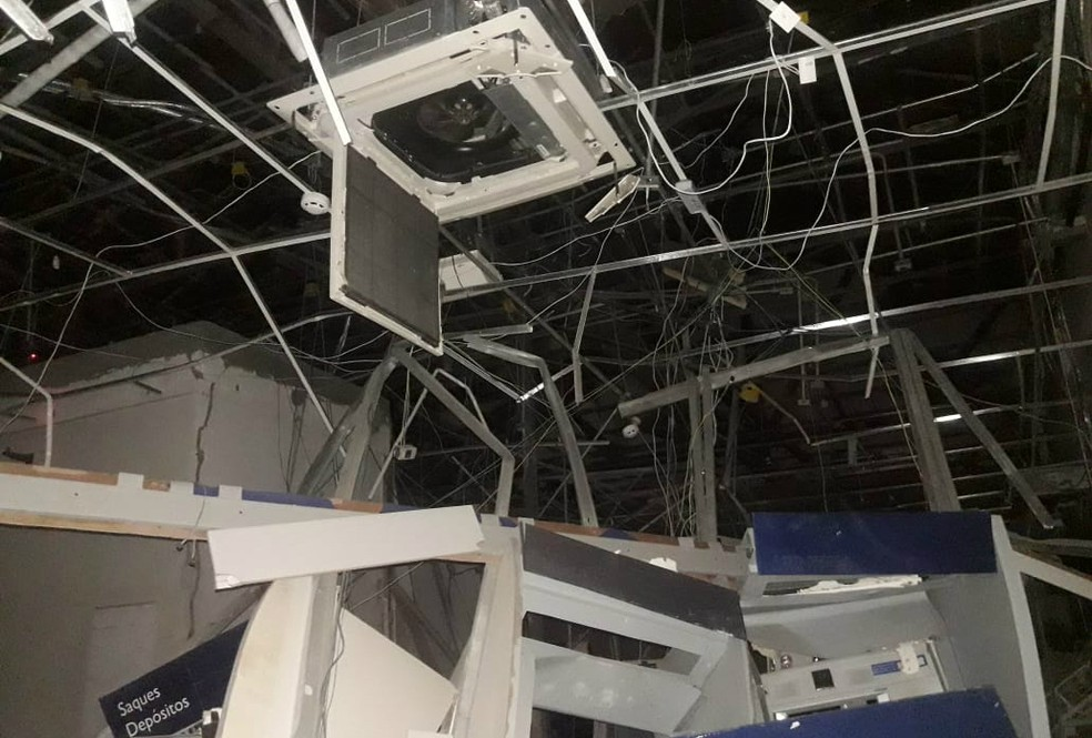 Agência ficou destruída â?? Foto: Crisney Souza Dias/Site +BN