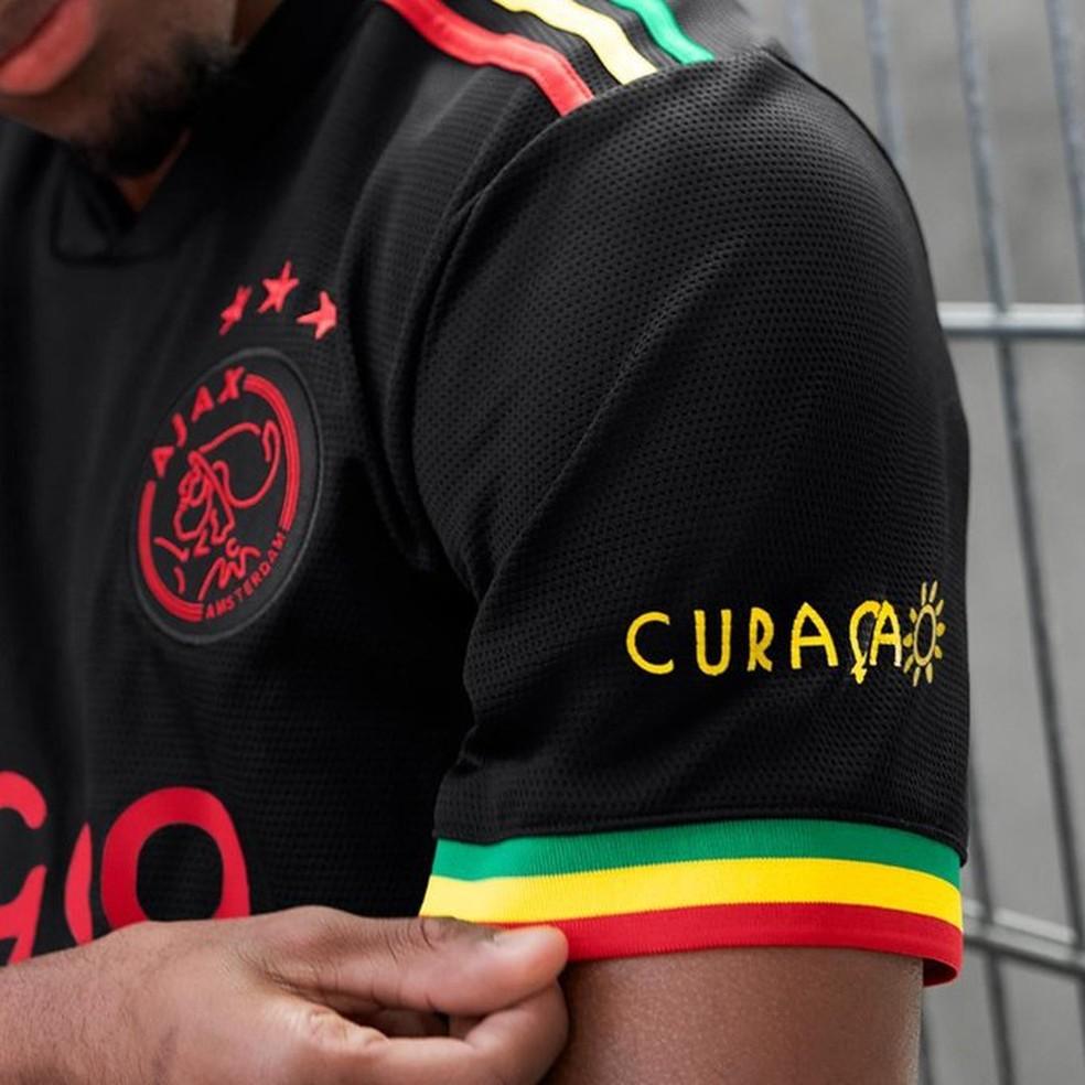 Uniforme do Ajax tem as cores da Jamaica, terra de Bob Marley — Foto: Divulgação/Ajax