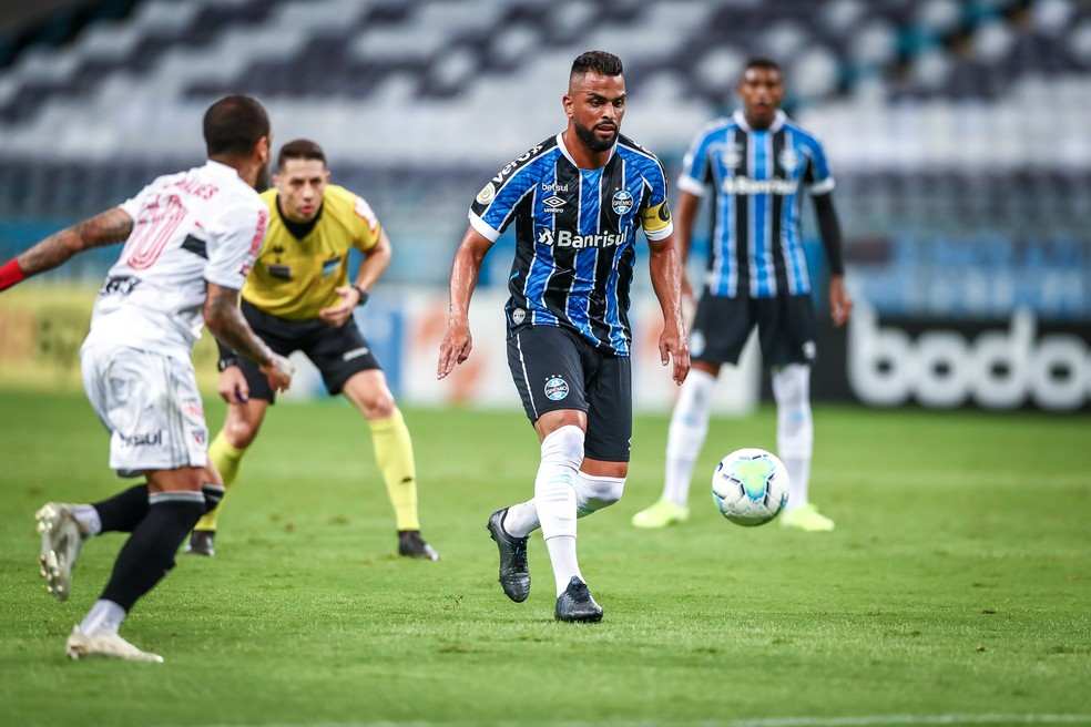Maicon deixou o time e o Grêmio piorou — Foto: Lucas Uebel/Grêmio