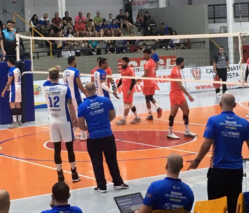 Atibaia venceu o São José fora de casa pelo Campeonato Paulista — Foto: Larissa Muradi/GloboEsporte.com