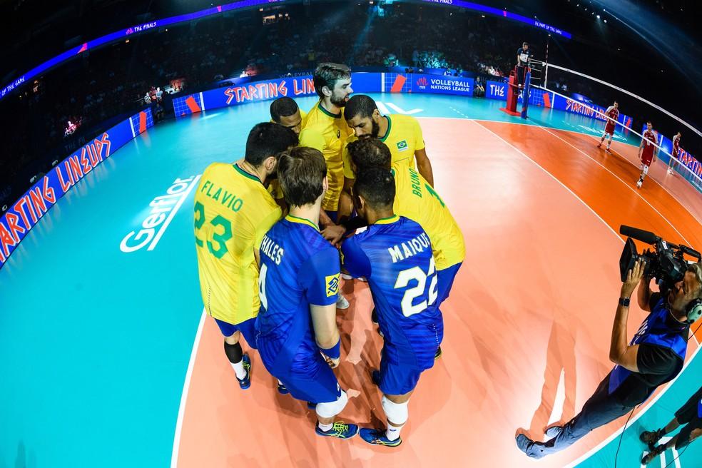 A seleçào comandada por Renan Dal Zotto terá a oportunidade de se recuperar contra o Irã, na sexta-feira — Foto: FIVB