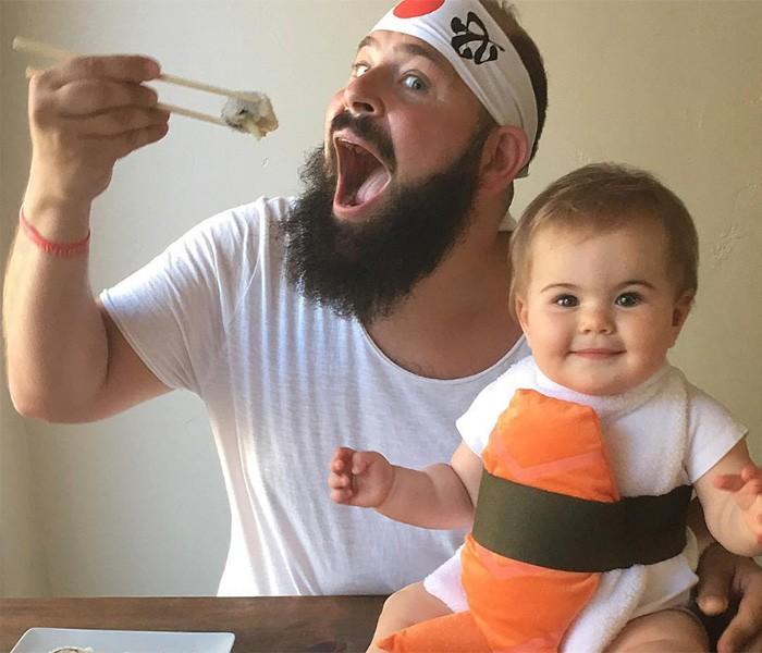Zoe virou sushi em uma das fotos (Foto: Reprodução/Instagram/sbsolly)