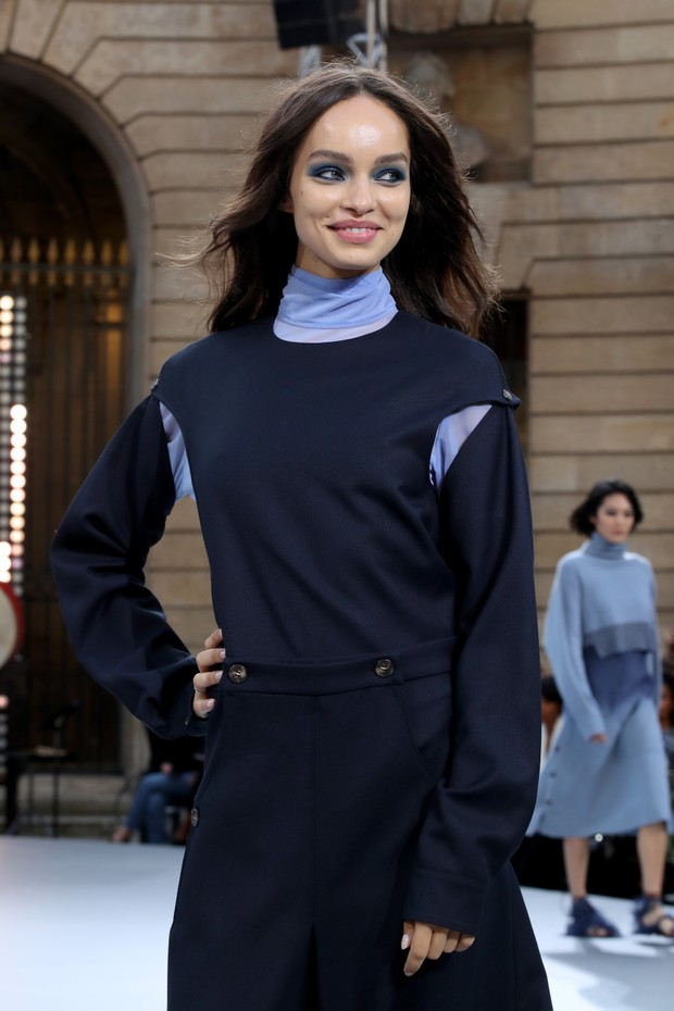 "PARIS, FRANCE - SEPTEMBER 28: Luma Grothe attends the ""Le Defile L'Oreal Paris"" show as part of Paris Fashion Week At Monnaie de Paris on September 28, 2019 in Paris, France. (Photo by Bertrand Rindoff Petroff/Getty Images) (Foto: Getty Images)"