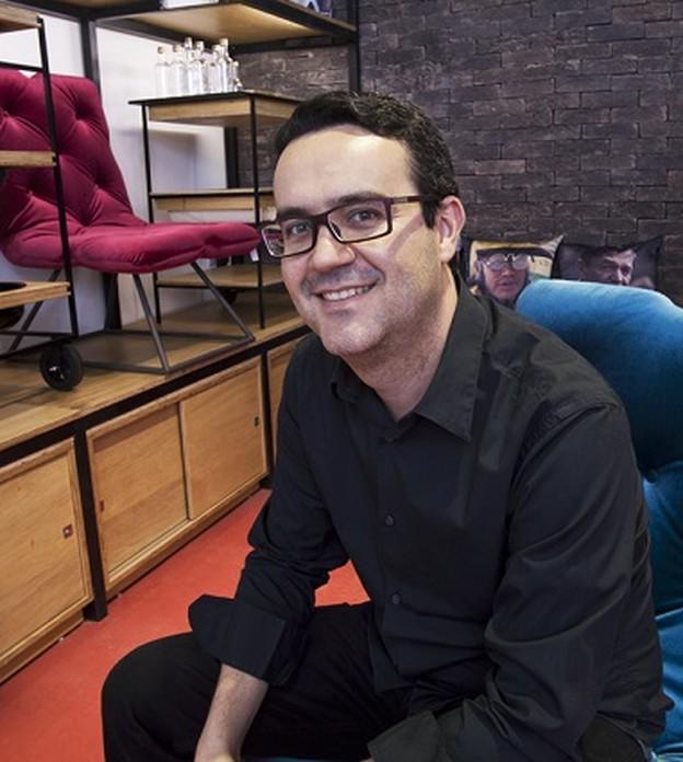 Designer brasileiro investe em e-commerce nos EUA e cresce 15% durante a pandemia