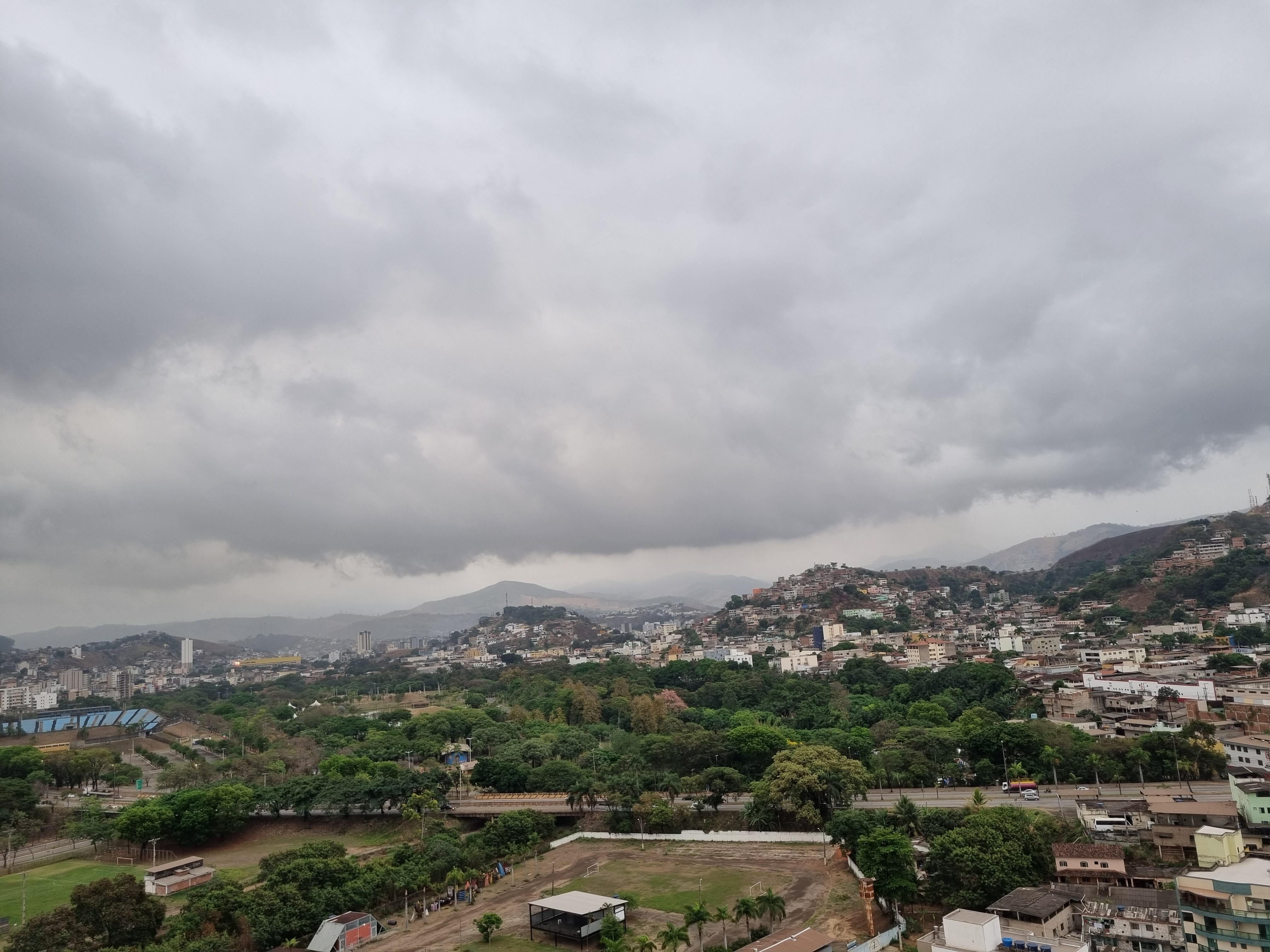 INMET alerta para chuvas intensas nos vales do Rio Doce, Mucuri e Jequitinhonha
