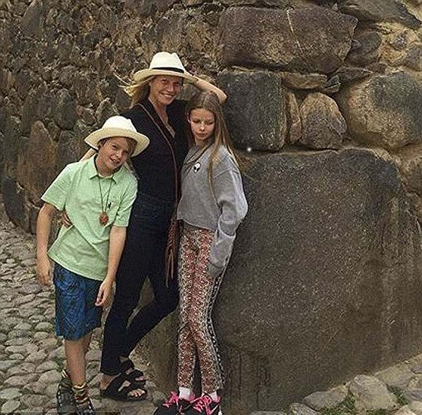 Gwyneth Paltrow e os filhos Moses e Apple (Foto: Instagram)
