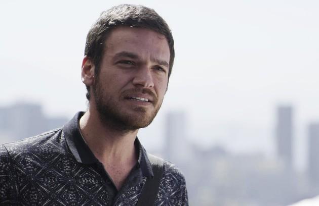 Na terça (1°), Rubinho (Emilio Dantas) vai fugir da prisão acompanhado de Bibi (Juliana Paes) (Foto: Reprodução)