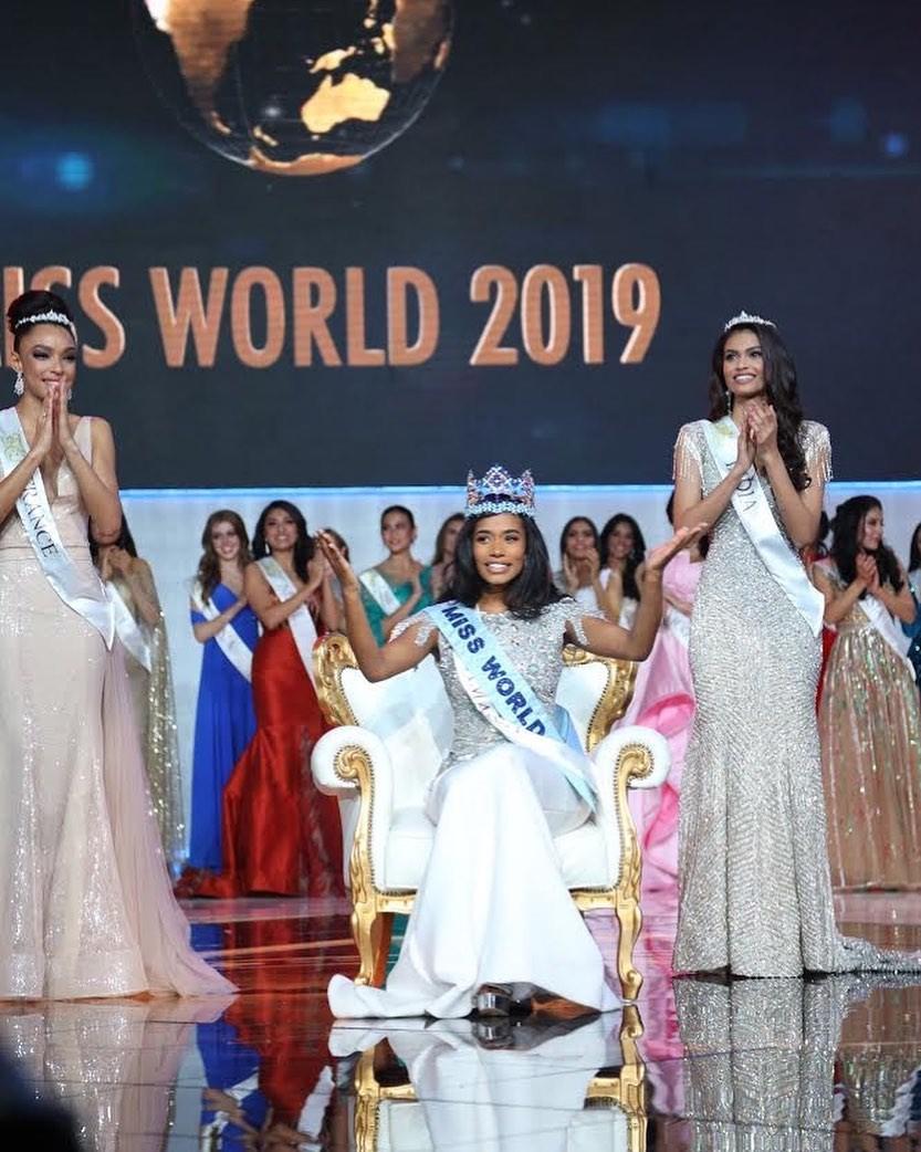 Jamaicana vence Miss Mundo; brasileira fica no Top 5 e título das Américas