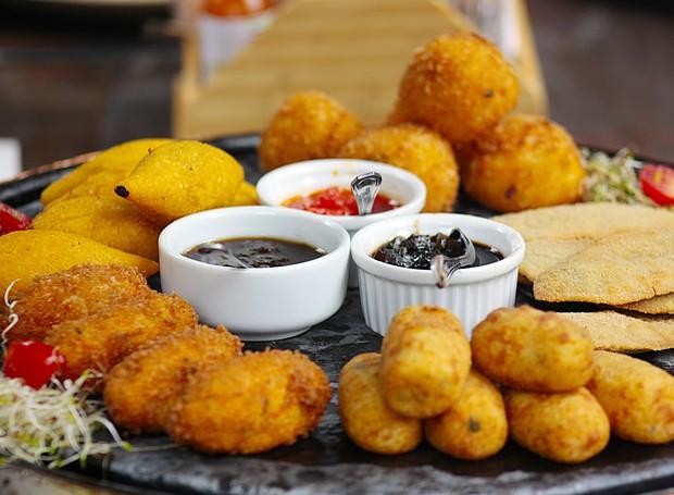 Resultado de imagem para Guia da fritura perfeita: chefs revelam como deixá-la crocante e sequinha