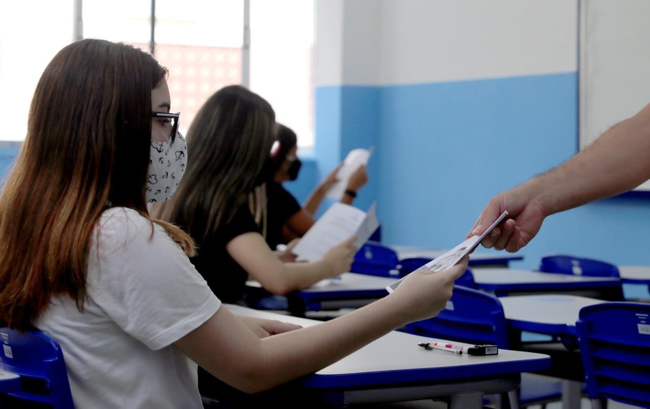 RJ retoma 100% das aulas presenciais na rede estadual nesta segunda-feira