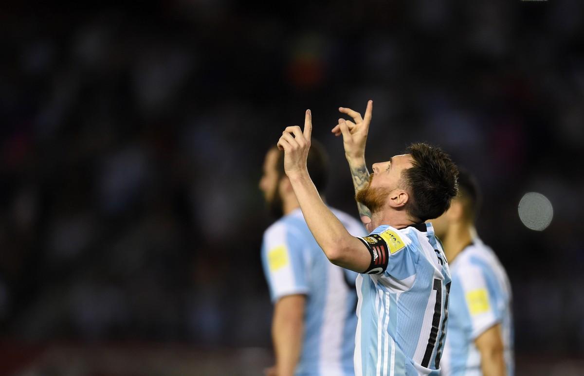 Pelo título da Copa, Messi aceita desafio de repórter para caminhar 50km