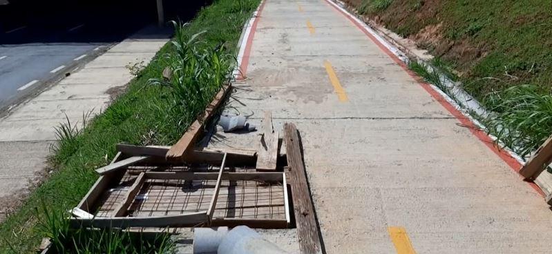 Ciclistas reclamam de falta de manutenção e iluminação na ciclovia do Piçarrão, em Campinas