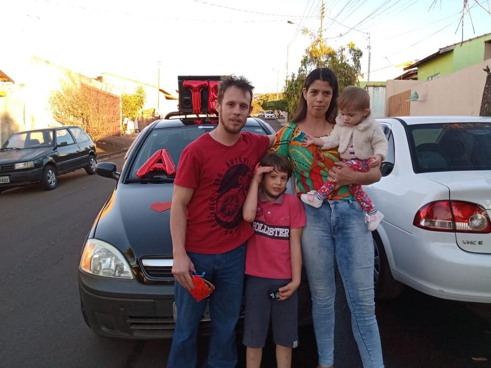 Além de Ana Clara, Paulo e a esposa têm outros dois filhos em Piraju — Foto: Arquivo pessoal/Paulo Roberto Ramos Andrade