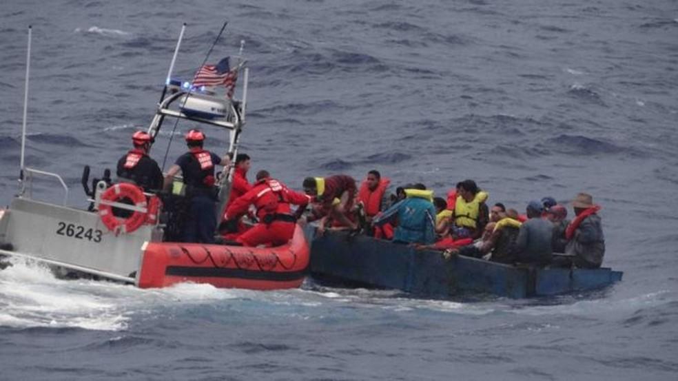 Travessia de imigrantes é feita através das Bahamas (Foto: Divulgação/Guarda Costeira dos EUA)