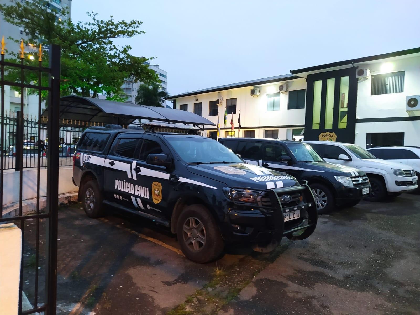 Polícia Civil deflagra operação contra organização criminosa em SC