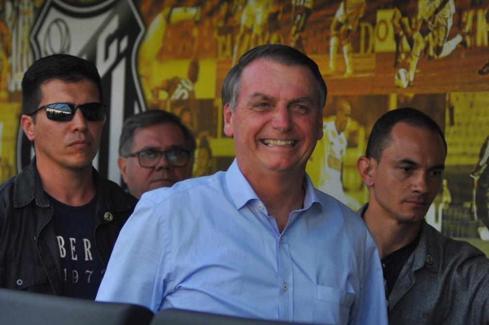 Presidente Jair Bolsonaro na Vila Belmiro — Foto: Antônio Cícero / Estadão conteúdo