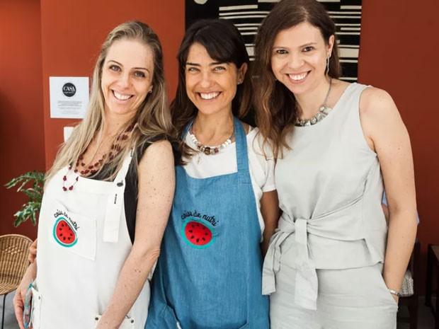 Gabriela e Camila Kirmayr, do Coisa de Nutri, e Ana Paula Pontes, editora-chefe da Crescer (Foto: David Mazzo)