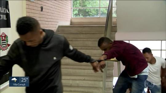 Perseguição a assaltantes de shopping em SP teve fuga por telhados e tiroteio em meio a casas; veja vídeo