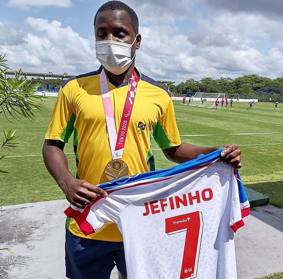 Jefinho em treino do Bahai — Foto: EC Bahia / Divulgação