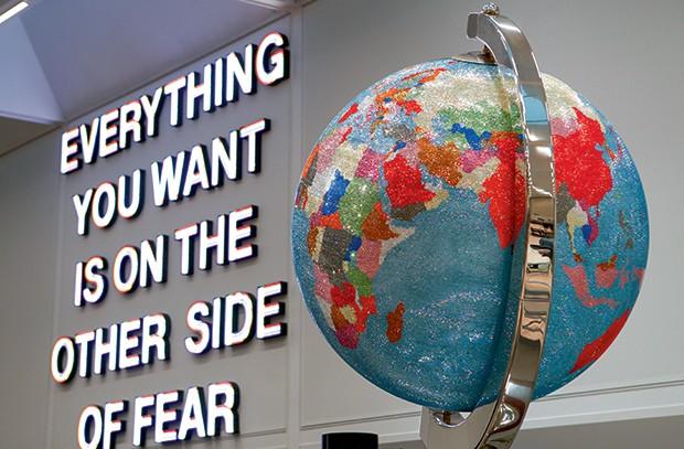 Swarovski - O globo de meio milhão de cristais (Foto: Divulgação)