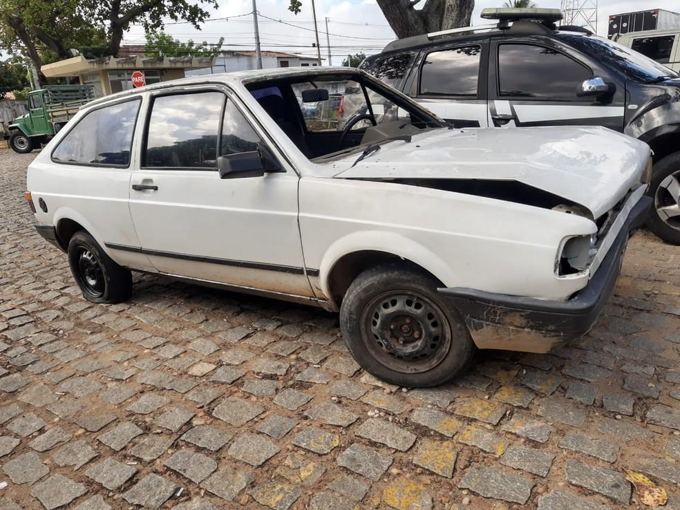 Criminosos bateram carro e foram detidos pela polícia no bairro Cidade Nova, em Natal — Foto: Lucas Corteza/Inter TV Cabugi