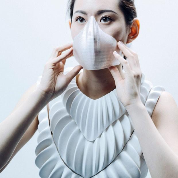 Protótipo de máscara permite aos humanos respirar debaixo d'água (Foto: Divulgação)