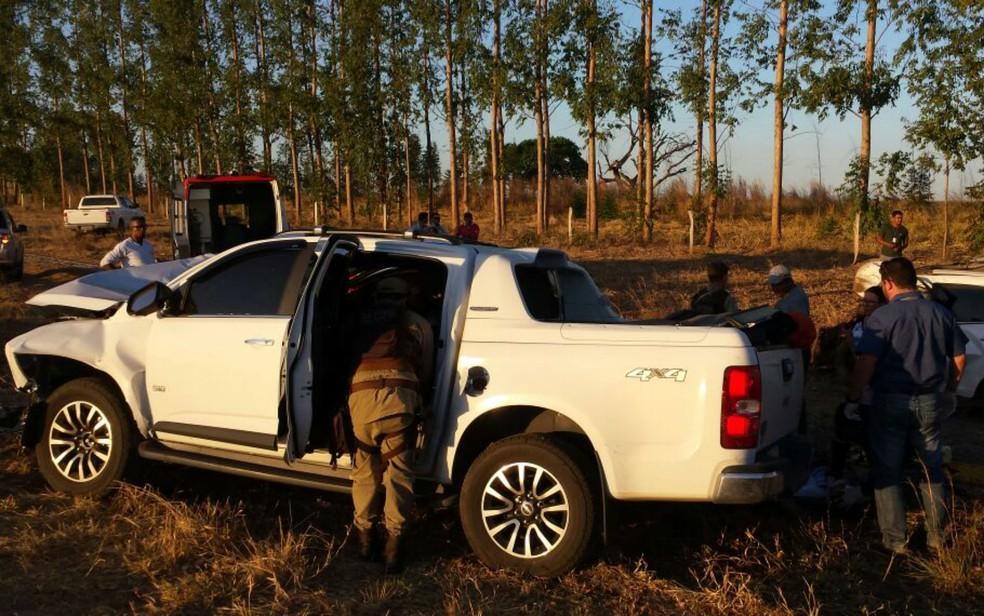 Caminhonete envolvida no acidente na BR-020, no oeste da Bahia (Foto: Sigi Vilares/Blog do Sigi Vilares)