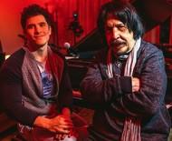"""Benito Di Paula celebra 80 anos em show com filho: """"O espírito fica sempre jovem"""""""
