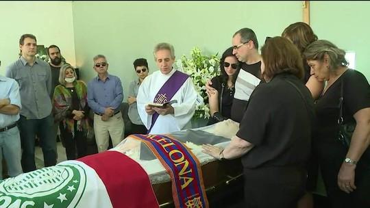 Corpo de jornalista Clóvis Rossi é enterrado em São Paulo