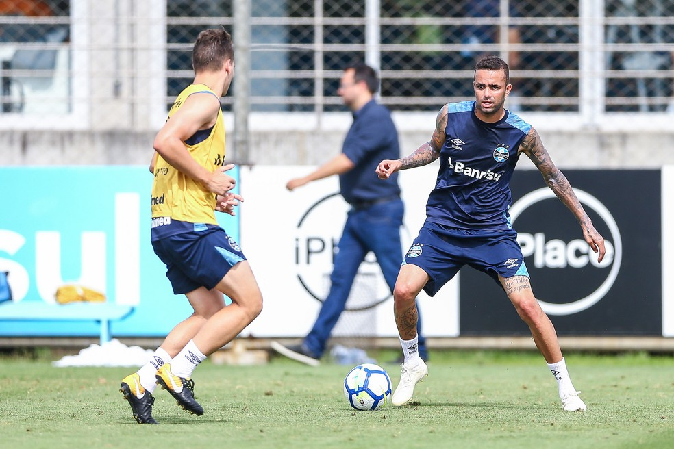 Vontade do atacante gremista é seguir em Porto Alegre — Foto: Lucas Uebel / Grêmio, DVG