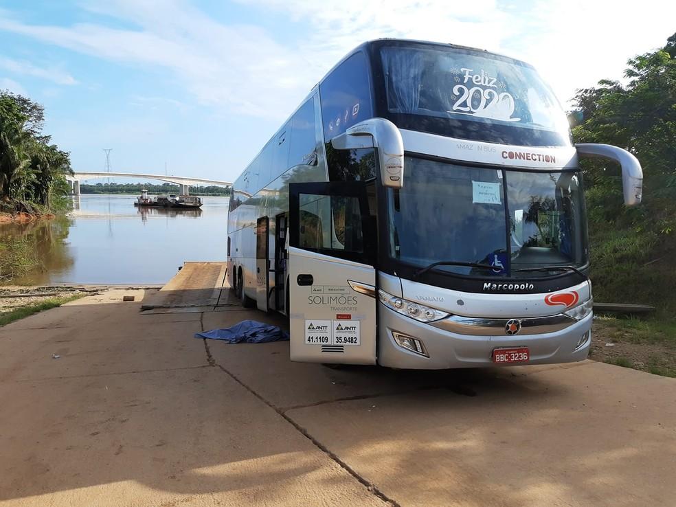 Ônibus da Eucatur atropela mulher na saída de balsa, entre RO e AC — Foto: Ponta do Abunã/Reprodução