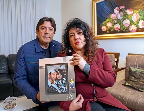 ATIVISMO Christiane e o marido, Gilmar, pais de Gilmar Rafael Yared. Ela fundou uma ONG, aderiu à política e foi a deputada federal mais votada no Paraná  (Foto: Joel Rocha)