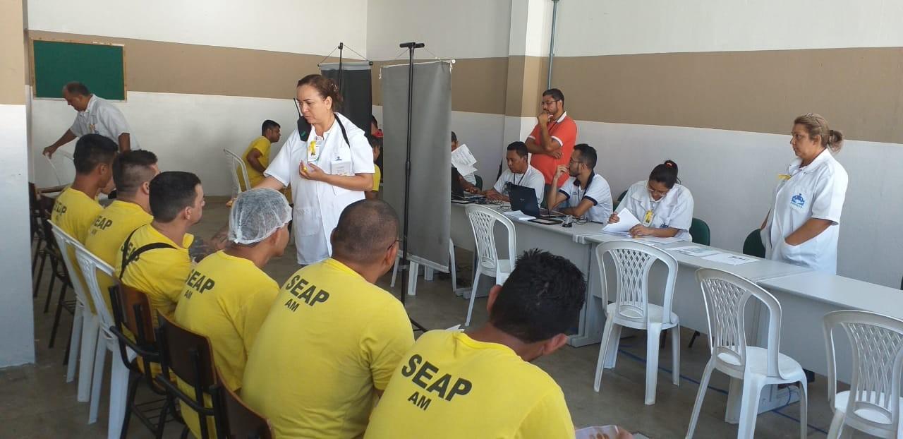 Grupo de detentos do Compaj recebe Carteira de Trabalho pela primeira vez, em Manaus - Notícias - Plantão Diário