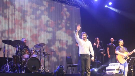 Show do Padre Fábio de Melo homenageia 'Tia Socorro'