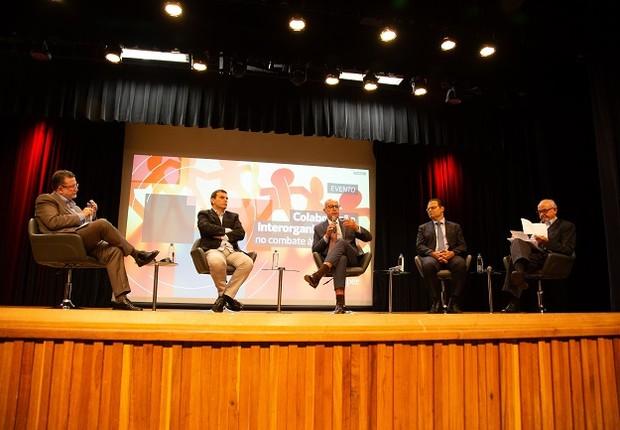 Debate reuniu promotor, ex-ministros e professores do Insper  (Foto: Divulgação)