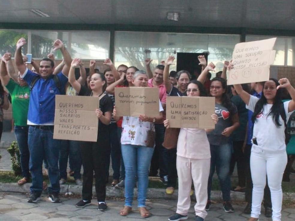 Após protestos, Governo do AM anuncia pagamento direto de salários  atrasados a terceirizados da saúde   Amazonas   G1
