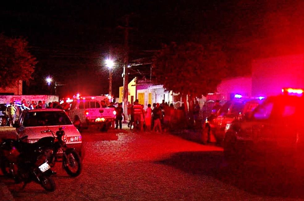 Mãe e filha foram baleadas dentro de casa, na noite desta segunda-feira (19), em São José de Mipibu, na Grande Natal — Foto: Inter TV Cabugi/Reprodução