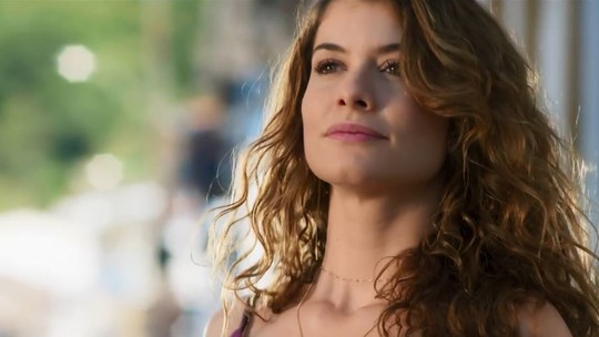 Isabel entrega plano para acabar com Cris e reconquistar Alain