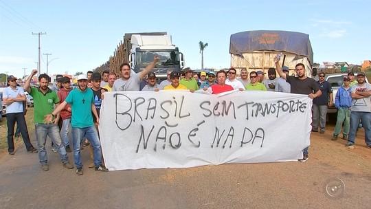 Greve dos caminhoneiros chega ao 4º dia e tem atos em mais de 10 cidades na região de Itapetininga