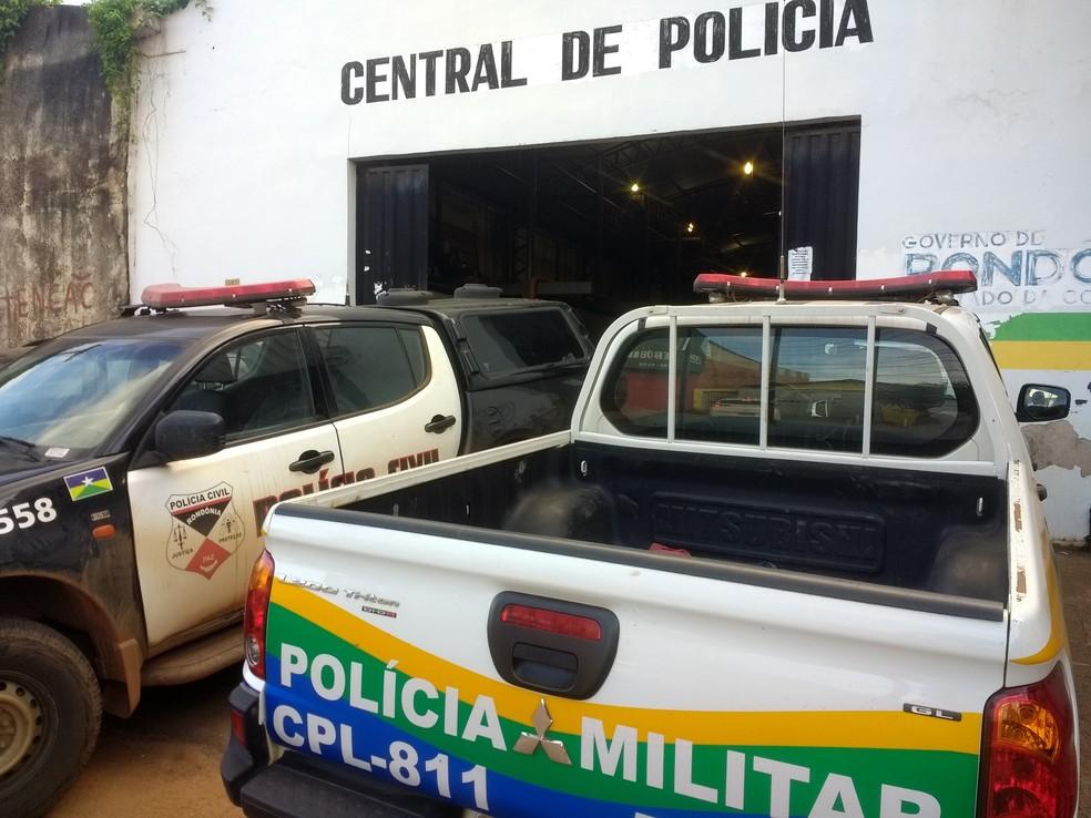 -  Suspeitos presos fora levados para a Central de Flagrante de Porto Velho  Foto: Jheniffer Núbia
