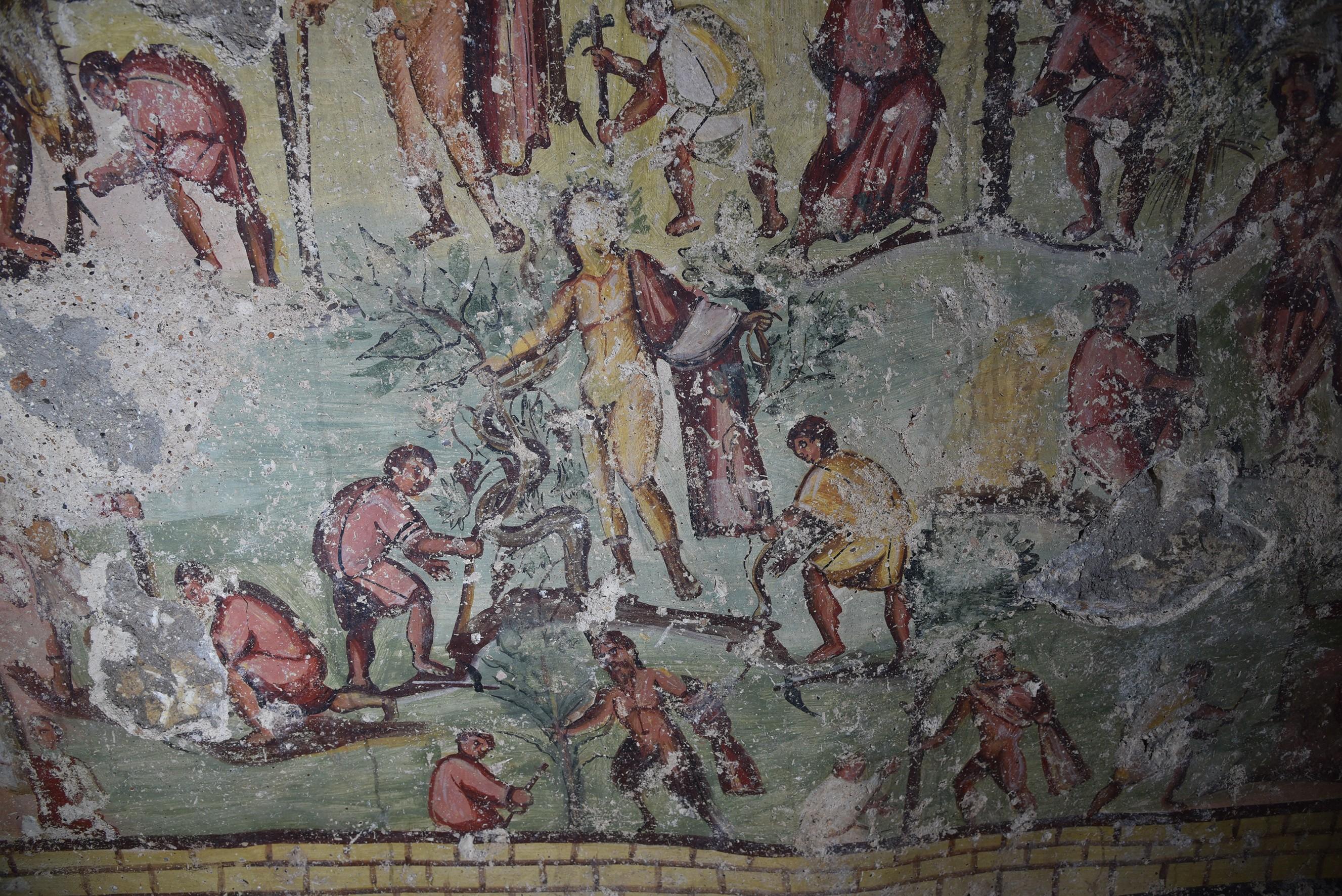 A limpeza da área das Capitolias, com a ajuda de Dionísio e outros deuses.  (Foto: CNRS HiSoMA)