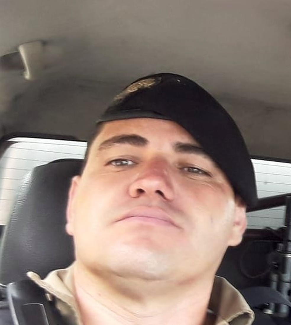 Sargento da Polícia Militar morre após salvar filho em praia de Arraial do Cabo — Foto: Divulgação/Redes Sociais