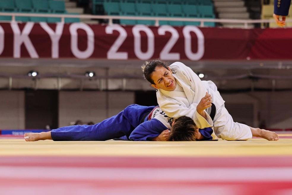 Judoca Lúcia Araújo em atuação nos Jogos Paralímpicos de Tóquio — Foto: Takuma Matsushita/CPB