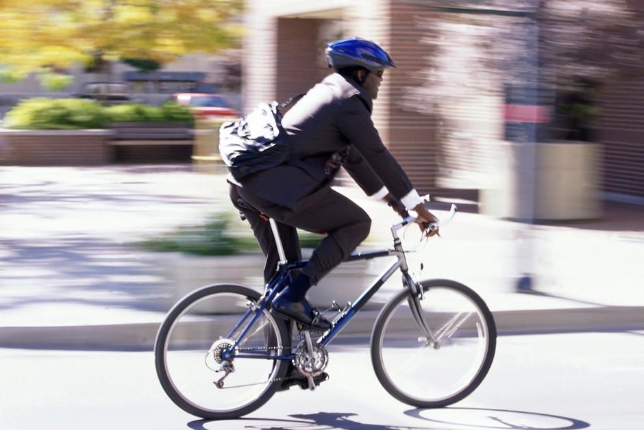 A bicicleta voltou a ser um meio de transporte nos grandes cidades (Foto: Thinkstock)