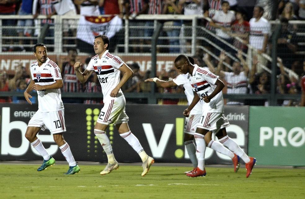 Pablo comemora gol do São Paulo no Pacaembu — Foto:  Marcos Ribolli
