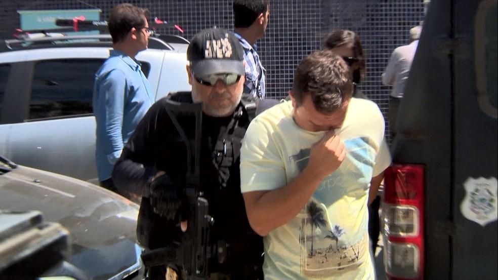 Médico preso na Operação Lama Cirúrgica, no Espírito Santo (Foto: Oliveira Alves/TV Gazeta)