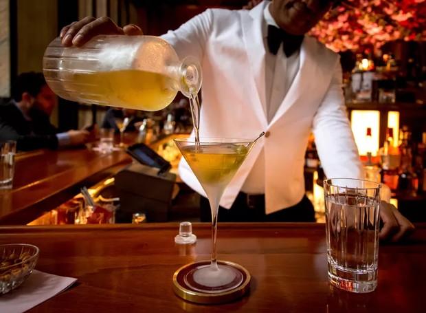 O bar conta com drinks glamourosos (Foto: Gary He/ Reprodução)