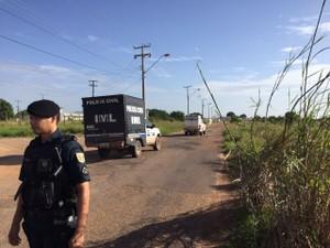 IML entrou no presídio para buscar corpos  (Foto: Inaê Brandão/G1 RR)